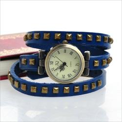 Klocka Blått äkta läderarmband nitar  Blå