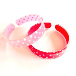 2 armband med prickar flerfärgad