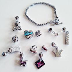 Armband med 12 berlocker silver