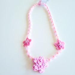 Halsband med rosa blommor rosa