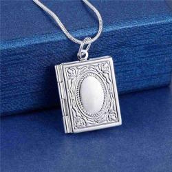 Silver Halsband med Öppningsbar Medaljong - Bok i Fint Mönster Silver