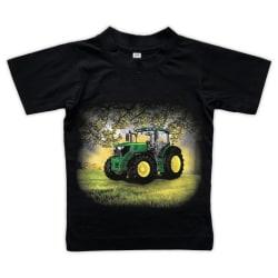 T-shirt Grön Traktor på åker 100 (104/110)