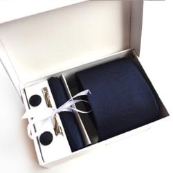 Paket med slips, ,manchettknappar, slipsnål och bröstnäsduk Blå
