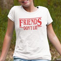 Barn vit T-shirt inspirerad av Stranger things Friends don't lie 152cl  12-13år