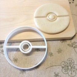 Pokemon ball cookie cutter  multifärg S