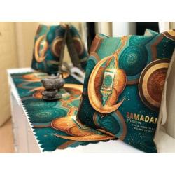 2st kuddfodral + 1st bordslöpare  med Ramadan kort