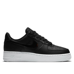 Nike Wmns Air Force 1 07 Ess Svarta 39