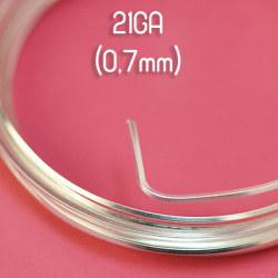 Fyrkantig non-tarnish silverpläterad wire, 21GA (0,7mm grov)