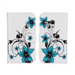 Plånboksfodral Samsung S3 mini, Slim modell, Blå blommor multifärg