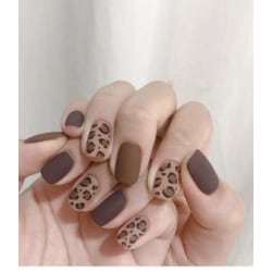 Vackra Nailsticker och en nagelfil