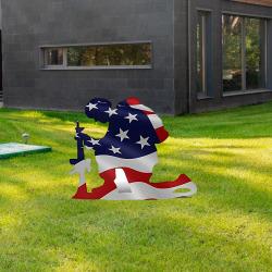 Flaggkneeling Soldat Weathered