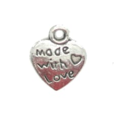 20 stycken berlocker hjärtformade Made with love hänge