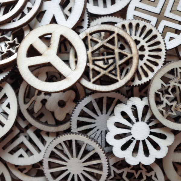 25 kugghjul i trä - 28 mm