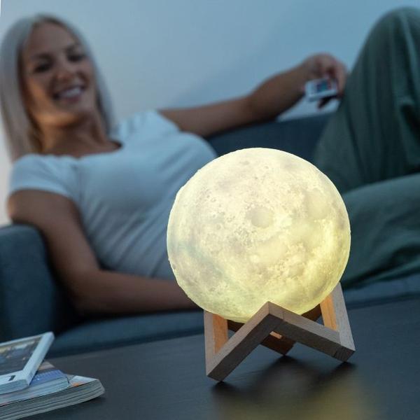 Månlampa 3D - 16 Färger och Fjärrkontroll - 3D Moonlamp