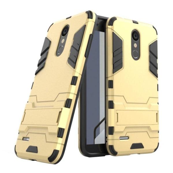 LG K8 (2018) mobilskal plast silikon utfällbart ben - Guld