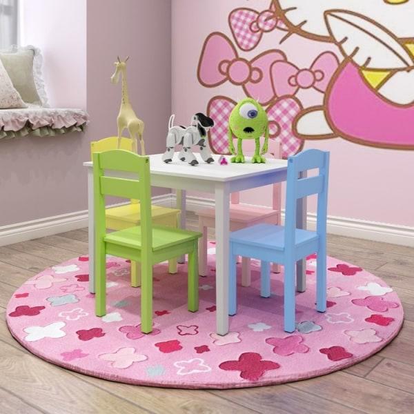 Träbord och 4 stolar för barn