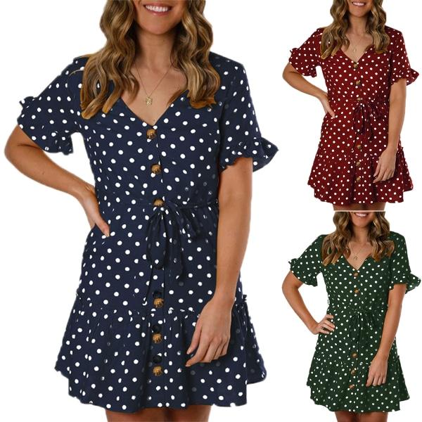 Kvinnor klänning med kort ärm och knapp