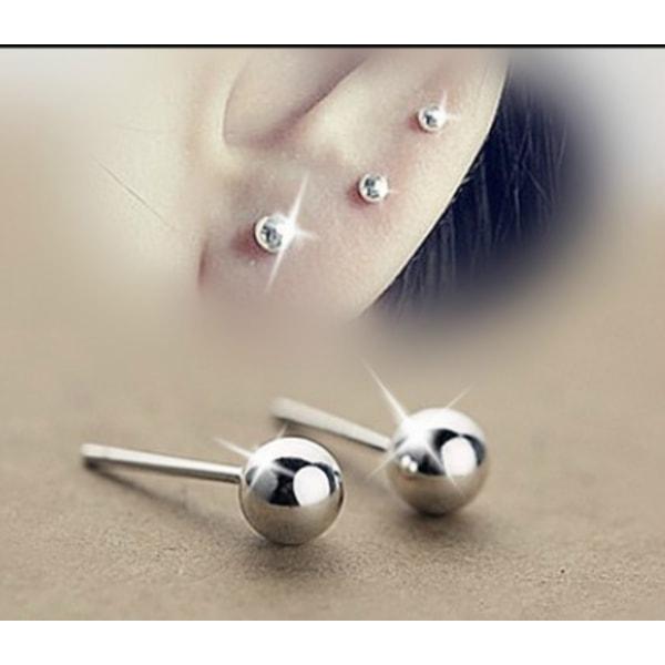 Kula örhängen i kirurgiskt stål. Finns olika storlekar att välja 4mm