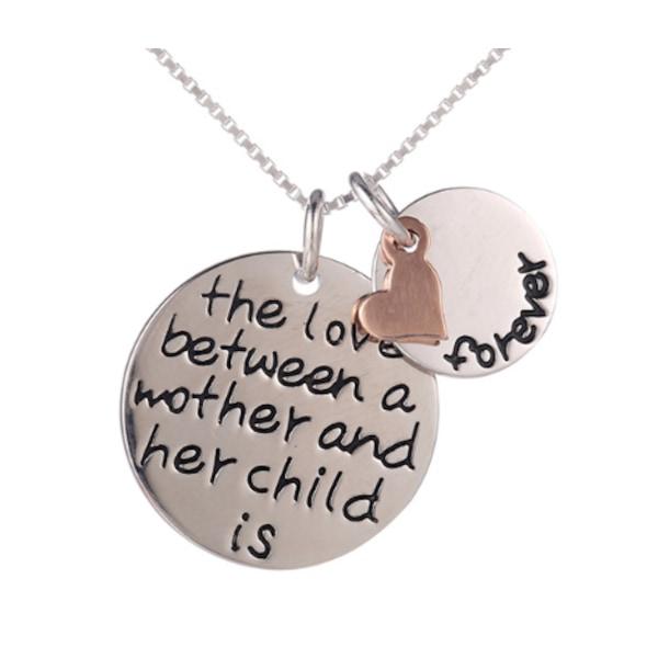 """Halsband med berlock texten """"the love between a mother and her"""" Silver , guld , koppar"""