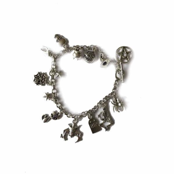 Curiology - HALLOWEEN EVERY DAY - Charm Bracelet