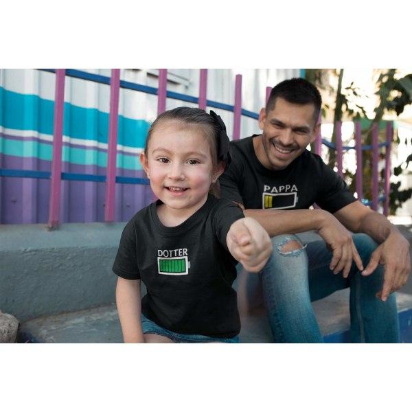 Familje Batteri T-shirt - Pappa Mamma Son & dotter Son : 18-24 mån