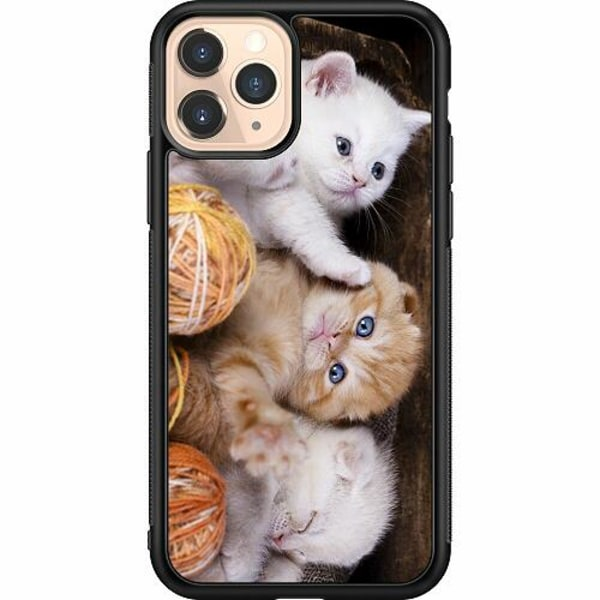 Apple iPhone 11 Pro Soft Case (Svart) Kittens and Yarn