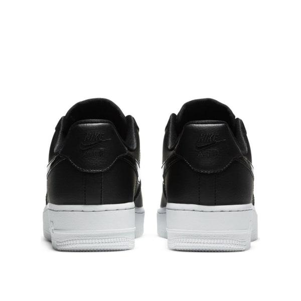 Nike Wmns Air Force 1 07 Ess Svarta 39