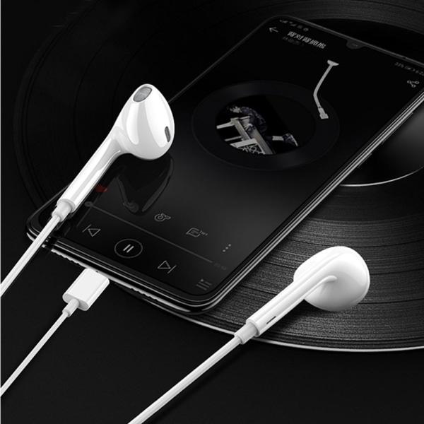 XO™ USB-C Hörlurar med mikrofon & kontroll Vit