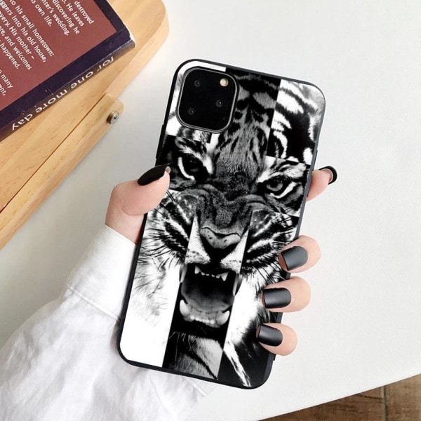iPhone 12 & 12 Pro skal tiger svart vit silikon Svart one size