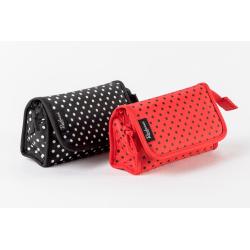 Sminkväska i polyester - Invändig spegel röd m svarta prickar 17x11x6 cm