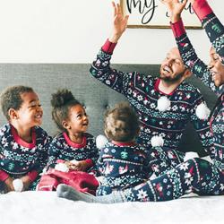 Familj matchande set Julpyjamas Julpyjamas Mother's M S