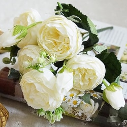 5 Heads Silk Rose Artificiell simulering Fake Flower Party Decor White 1 PC