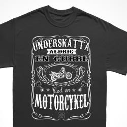 Motorcykel T-shirt - Underskatta aldrig en gubbe med.. L