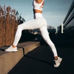 Kvinnors färgremsor Yogabyxor elastisk anti-belastning för sport White L