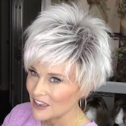 Kvinnors damperuk Kort rak silvervitt syntetiskt hår Mix Silver White