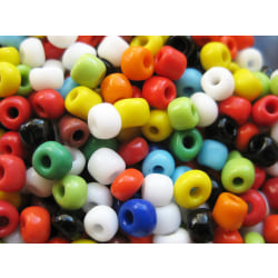 Färgglada seed beads 4 mm 75 gram ca 750 pärlor