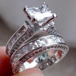 Klassisk vacker dubbel ring med stor sten i zirkon  Silver one size