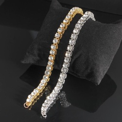 Vackert armband med diamanter lyx gåva guld silver Silver one size