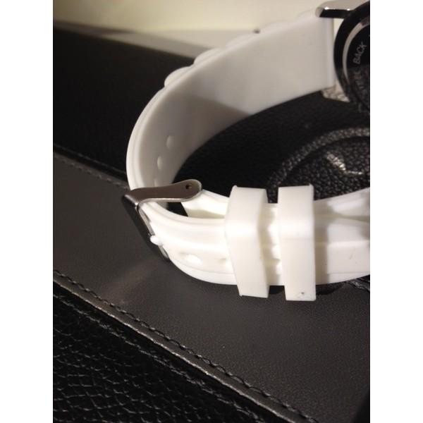 Klocka Mustasch vit silikon med rhinestones Vit