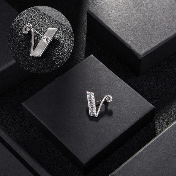 Crystal Brooch Pin 26 Engelska Letter Pins Broscher Shirt Badge F