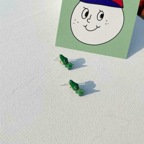 1 par örhängen söt kartong som biter anime örhängen öron smycken H Green piranha