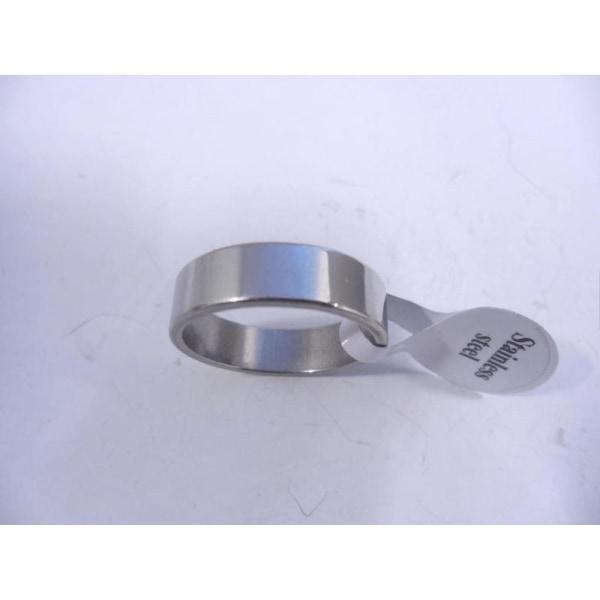 6 mm. bred slät ring i 316L stål 19 mm. i innerdiameter