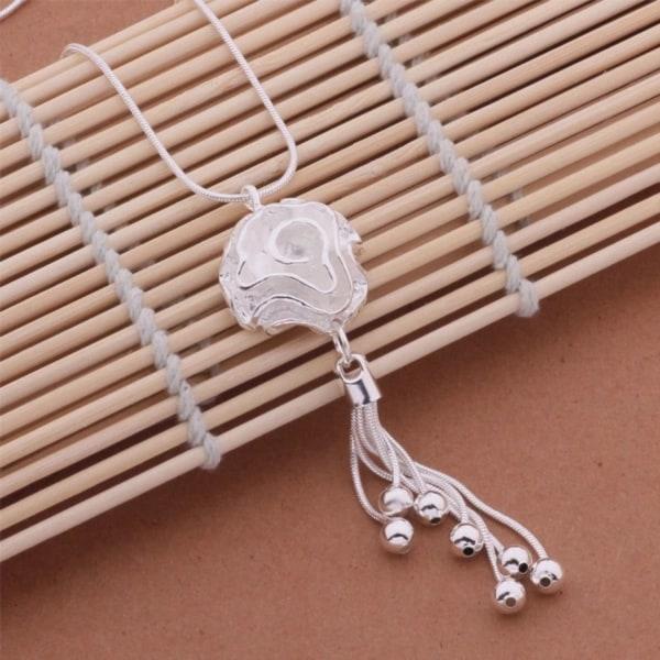 Silver Halsband - Fin Ros / Blomma med Kedjor & Kulor Silver