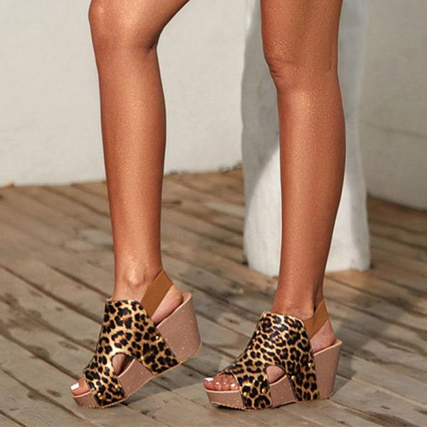 Dam Leopardmönstrade sandaler Högklackade kilavslappnade skor Leopardtryck 40