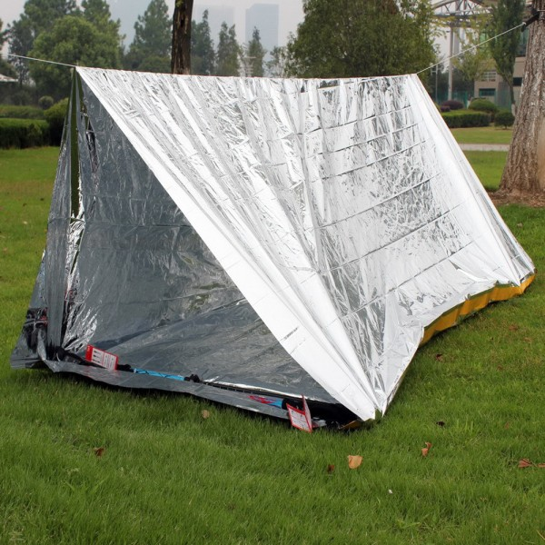 Emergency Tent Outdoor Camping Hiking Rescue Blanket Väska silver