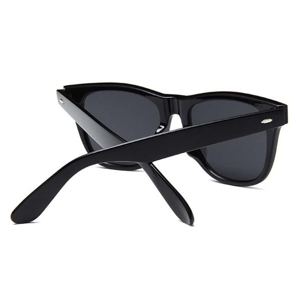 Svarta Wayfarer Solglasögon Grönt Spegelglas svart