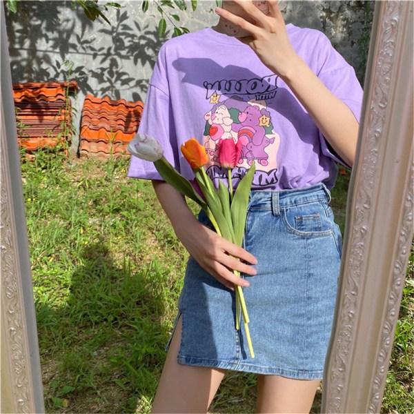 Lös kortärmad T-shirt med tecknad tryck