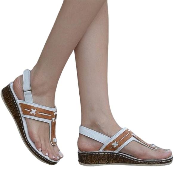 Flip-flops för kvinnor tofflor kilar bältesspännen strandskor Vit 40