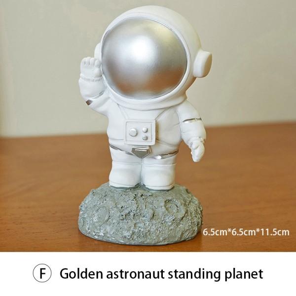 8 stilar nordiska heminredning figurer skrivbord dekor astronaut harts