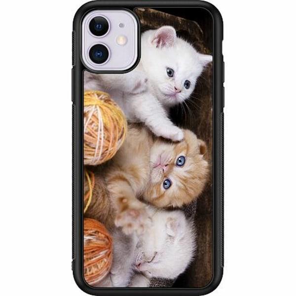 Apple iPhone 11 Billigt mobilskal - Kittens and Yarn